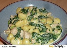 Gnocchi with chicken, spinach and cheese cream sauce - Gnocchi with chicken, spinach and cheese cream sauce - Gnocchi, Czech Recipes, Ethnic Recipes, Spinach And Cheese, Spinach Stuffed Chicken, Potato Salad, Food And Drink, Healthy Recipes, Treats