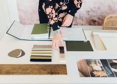 Stalen, uitwerken interieurontwerp Polaroid Film, Desk, Home Decor, Desktop, Decoration Home, Room Decor, Table Desk, Office Desk, Home Interior Design