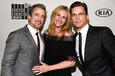 "Julia Roberts Dermot Mulroney Photos Photos - (L-R) Actors Dermot Mulroney, Julia Roberts and Matt Bomer attend Spike TV's ""Guys Choice 2016"" at Sony Pictures Studios on June 4, 2016 in Culver City, California. - Spike TV's 'Guys Choice 2016' - Backstage And Audience"