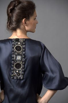 Платье классическое, шелк