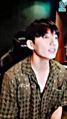 Foto Jungkook, Jungkook Songs, Jungkook Abs, Jungkook Cute, Foto Bts, Bts Bangtan Boy, Bts Taehyung, Bts Aegyo, Bts Book