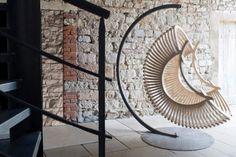 silla colgante con forma de caracola