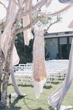 Rachel Lim, entrepreneur and co-founder of homegrown fashion label Love, Bonito tied the knot with her fiancé Leonard at Alila Villas Uluwatu in an affair planned by The Wedding Concepteur that we can only describe as Wearing not one but tw Bridal Outfits, Bridal Dresses, Wedding Gowns, Alila Villas Uluwatu, Zuhair Murad Bridal, Reception Table Decorations, Bali Wedding, Fashion Labels, Bridal Style