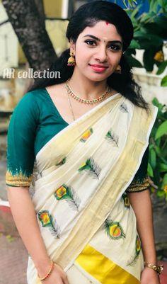 Onam Saree, Sarees, Kerala Saree Blouse Designs, Beautiful Girl Indian, Beautiful Women, Girl Photography Poses, Indian Beauty Saree, Saree Styles, India Beauty