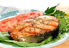 Salmon in foil. Baked in the oven Fish Dishes, Salmon Burgers, Steak, Good Food, Food And Drink, Pork, Turkey, Chicken, Baking