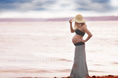 God, I pray I look like this pregnant if and when it happens. That would be great!