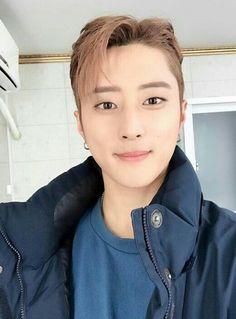 He's just so beautiful Kard Bm, Black Joker, Dsp Media, Rhythm And Blues, Korean Celebrities, Popular Music, Kpop Boy, Pop Music, Kdrama