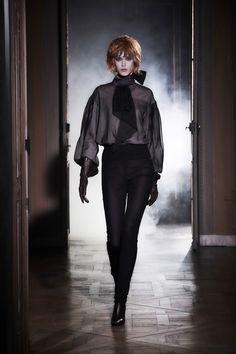 Olivier Theyskens Spring 2021 Ready-to-Wear Collection - Vogue Vogue Paris, Fashion News, Fashion Beauty, Fashion Fashion, Bouchra Jarrar, Dramatic Look, Vogue Russia, Fashion Show Collection, Live Fashion