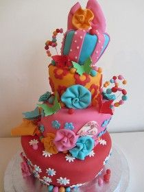 wedding cake: Cake in Wonderland