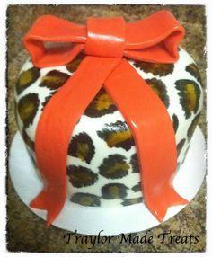 mini leopard cake