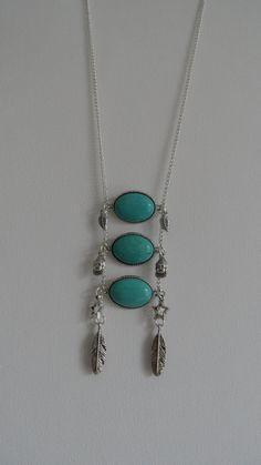 Turquoise/ zilverkleurige bohemien ketting met mooie bedels in Ibiza bohemien hippie stijl door MarelBeadsandLeather op Etsy