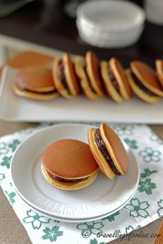 Itadakimasu! - Dorayaki 銅鑼焼き +  A Giveaway!. Check out full blog post and recipe at http://travelling-foodies.com/2013/10/02/dorayaki/comment-page-1/#comment-7855