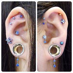 1/2 Crescent Moon Eyelets #bodyjewelry #anatometal #neometal #eyelets #plugs