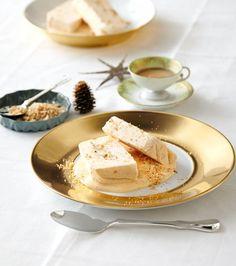 Rezept: Apfel-Vanille-Parfait mit Bröseln und Sabayon