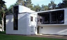 Meisterhaus in Dessau, Germany - designed by Walter Gropius Bauhaus. German Architecture, Classical Architecture, Residential Architecture, Architecture Design, Landscape Architecture, Walter Gropius, White Exterior Houses, White Houses, Norman Foster