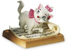 Disney's The Aristocats WDCC figurine 'Hitting All The Right Notes' Marie