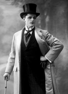Image of b/w Photo of a dandy-style-vintage-men Colorized by Pearse. Victorian Gentleman, Victorian Men, Vintage Gentleman, Mode Vintage, Vintage Men, Vintage Beauty, Edwardian Fashion, Vintage Fashion, Retro Fashion