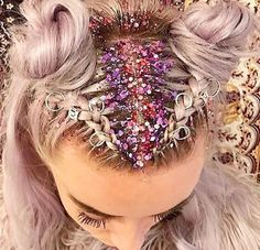 Glitter Roots Hair Trend - Music Festival Hairstyles, Glitter Roots Tutorial, Hair Sparkles Ways,Unique Festival Makeup & Hairstyles Pretty Hairstyles, Braided Hairstyles, Rave Hair, Festival Braid, Coachella Hair, Coachella Makeup, Glitter Roots, Glitter In Hair, Crazy Hair Days