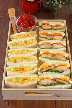 バーベキューチキンと、カレー味のポテトサラダ。 子供も大人も大好きな2種のサンドイッチ弁当。