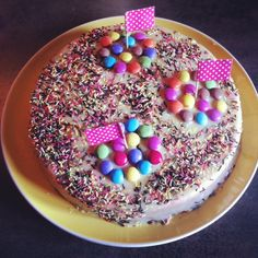 Gâteau confettis  http://lareinedeliode.com/le-gateau-confettis/