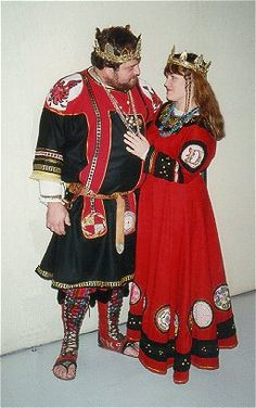 When I was a newcomer to the SCA, this was my King and Queen. Darius and Morgaine. Romano-British lovelyness. Oh yes, they were very very inspiring!