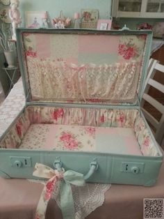 11. #Shabby Suitcase #Makeover - 29 Vintage #Storage Ideas to Add a… #Leather