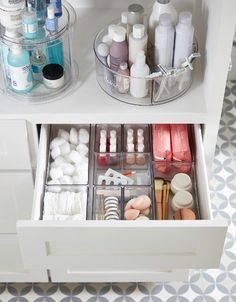 Bathroom Organization - Magnificence Make-up Organizer – Kostenlose Registrierung mit dieser Spon… – – current improvements , makeover , bathroom decoration , bathroom , for bathroom Bathroom Organisation, Makeup Organization, Room Organization, Bathroom Drawer Organization, Bathroom Counter Decor, Small Apartment Organization, Organizing Hair Accessories, Accessories Display, Apartment Ideas
