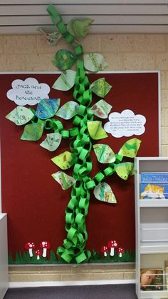 Jack and the Beanstalk display Library Themes, Library Displays, Classroom Displays, Outside Decorations, School Decorations, Eyfs Jack And The Beanstalk, Fairy Tales Unit, Eyfs Classroom, Traditional Tales
