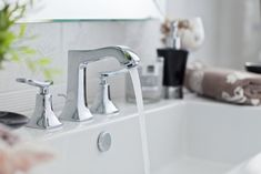 Water pouring out of modern bathroom faucet royalty-free stock photo Modern Bathroom Faucets, Bathroom Sink Faucets, Simple Bathroom, Bathroom Fixtures, Bathroom Ideas, Bathroom Sink Organization, Bathroom Cleaning Hacks, Cleaning Tips, Clogged Toilet