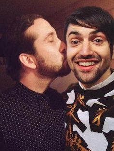 NOOOOOOO!!!!!!!!! AVI GET AWAY HE'S SCOTT'S!!!!!!! Or mine.... WHY ARE ALL THE BEST GUYS GAY?!?! Its not fair :'(