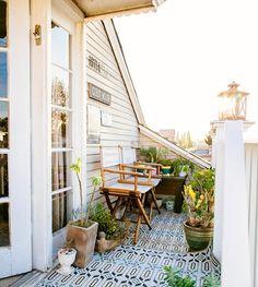 Sí a los patios! [ @dabito] . . . . .  #ebomworld #deco #decoracion#home#interiordesign #exteriordecor #exteriordesign #patio #exteriores