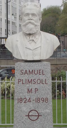 Statues of famous Bristolians No .2 Samuel Plimsoll (deviser of the Plimsoll line)