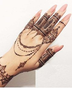 Mehndi henna designs are always searchable by Pakistani women and girls. Women, girls and also kids apply henna on their hands, feet and also on neck to look more gorgeous and traditional. Henna Tattoo Designs, Henna Tattoos, Henna Mehndi, Henna Hand Designs, Mehndi Designs Finger, Henna Tattoo Hand, Et Tattoo, Modern Mehndi Designs, Popsicle Stick Crafts