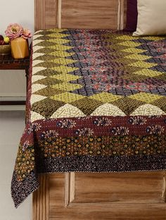 Double Bed Covers, Double Beds, Bandhani Saree, Printed Sarees, Fabric Painting, Home Textile, Hand Embroidery, Quilts, Bedspread