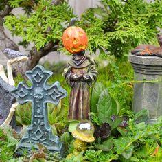 Halloween DIY Ideas for Miniature and Fairy Gardens