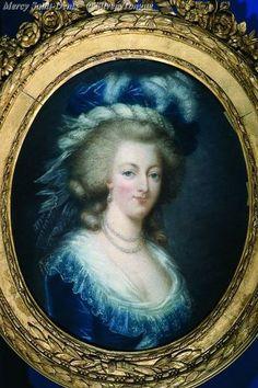 ci-contre un portrait de Marie-Antoinette dont l'auteur est anonyme.