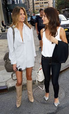 Chrissy Teigen in Givenchy Shark Tooth Pant-Leg Knee Boots hanging out with Lily Aldridge. Chrissy Teigen Style, Foto Real, Cooler Look, Her Style, City Style, Couture, Style Inspiration, Style Ideas, Passion For Fashion