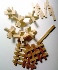 Chidori: A traditional Japanese wooden toy with interlocking wooden planks. by Kengo Kuma & Associates via detail-online by Kordzi Wooden Puzzles, Wooden Toys, Japanese Joinery, Best Educational Toys, Joinery Details, Wood Joints, Kengo Kuma, Japanese Toys, Modular Furniture