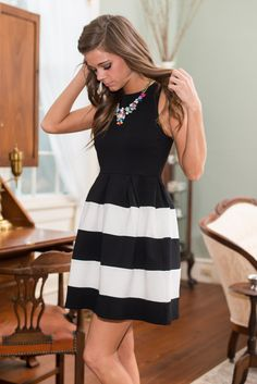 Here's Looking At You Dress, Black - The Mint Julep Boutique