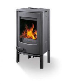 """Kleiner Ofen, großes Feuer - so kann man """"Logastyle 31"""" von Buderus beschreiben. Der solide Gussofen in ursprünglichem Design ist hüfthoch und verbrennt..."""