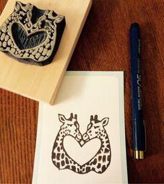 新作 ハートキリンの消しゴムはんこ ご縁をつなぐ消しゴムはんこ Printmaking, Eagle, Logos, Board, Crafts, Design, Stamps, Manualidades, Logo