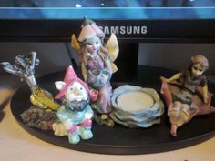 My little collection of statues with #sirens, #fairies and #gnomes. The siren comes from Malta, I was there this Summer. I loved that island, such an awesome place. The gnome is a crystals gnome and I got it during #Triskell festival in Trieste (Italy), my city, two years ago. The fairy with the candle comes from Erice (Sicily), I was there this Summer and it sounds like a magical place. The fairy on the leaf is the very first statue I got a lot of years ago, in a kiosk here in my city.
