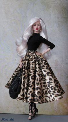 Our goal is to keep old friends, ex-classmates, neighbors and colleagues in touch. Barbie Gowns, Barbie Dress, Beautiful Barbie Dolls, Vintage Barbie Dolls, Fashion Royalty Dolls, Fashion Dolls, Barbie Fashion Designer, Barbie Clothes Patterns, Doll Clothes