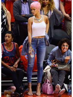 Pin for Later: 29 Times the Stars Went to a Basketball Game, but Their Outfits Suggested Otherwise We Never Knew You Could Dress Up Jeans and a Tank Top Like This, Rihanna Rihanna Outfits, Rihanna Fashion, Rihanna Casual, Rihanna Swag, Rihanna Nails, Rihanna Clothes, Rihanna Photos, Mode Rihanna, Rihanna Fenty