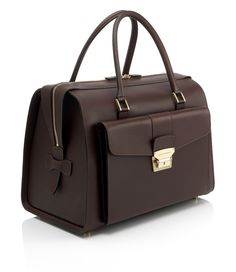 The Dunhill London Traditional Holdall (no longer on their site) Leather Bag Tutorial, Leather Workshop, Leather Bags Handmade, Girls Bags, Casual Bags, Leather Accessories, Luxury Bags, Purses And Handbags, Fashion Bags