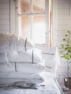 nice & simple from IKEA Ikea Bedroom, Home Bedroom, Master Bedroom, Bedrooms, Inspiration Ikea, Ikea New, Ikea Home, Scandinavian Bedroom, White Cottage