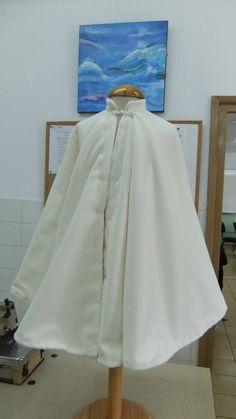 Raincoat, Jackets, Fashion, Rain Jacket, Down Jackets, Moda, Fashion Styles, Jacket