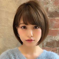 ショート/ボブ/美容師/似合わせ/小顔カット/山田さんはInstagramを利用しています:「お客様オーダー人気スタイル✨ . ナチュラルショートボブスタイルはいかがでしょうか?? . カラーはアッシュとベージュを独自配合し、赤みを消しながら透明感のある感じに✨ . 顔の形、髪質、ライフスタイルからスタイルをご提案させて頂きます✨ .…」