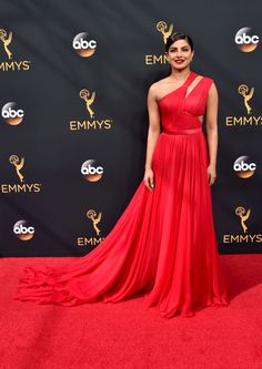 Best Dressed at the 2016 Emmy Awards - Priyanka Chopra in Jason Wu