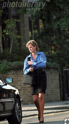 September 12 1995 Diana leaves Brompton Hospital, London after seeing boyfriend Hasnat Khan Princess Diana Photos, Princess Diana Fashion, Princess Diana Family, Royal Princess, Prince And Princess, Princess Of Wales, Prince Harry, Spencer Family, Lady Diana Spencer